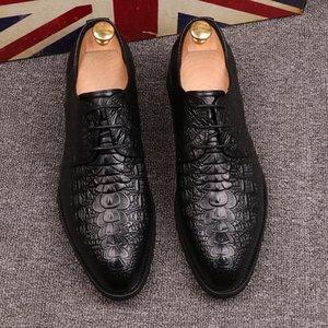 2019 cuero genuino vestido de los zapatos de los nuevos hombres de negocios Oxford Brogue Lace Up Pisos masculinos Zapatos ocasionales respirables del vestido formal nueva