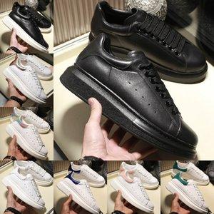 أحذية الجملة 2020 فاخر مصمم الأزياء منصة رجل إمرأة حذاء حذاء رياضة جلد مخمل أسود أبيض أحمر شقة عارضة منصة المدربين