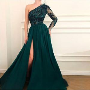 Hunter Green одно плечо Пром платья с аппликациями Lace перо Длинные рукава Вечернее платье для ног со стороны Сплит Дешевые Женщины партии Gowns