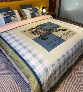 Branded Stripe Flower Cotton 4pcs Bedding Sets Designer Comfortable Home Textiles Queen Size Duvet Cover Pillowcase Bedding Sheet