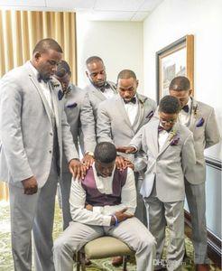 2020 Wedding Tuxedos Slim Fit Groom Wear Suits Custom Made Groomsmen Formal Dinner Party Prom Suits (Jacket+Pants+Vest) Single-Breasted