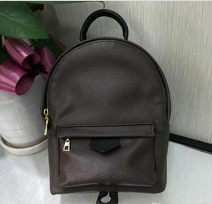 stile punk all'ingrosso Rivet zaino Moda Uomo Donne poco costoso zaino coreano elegante borsa a tracolla del designe di marca high-end sacchetto PU Sacchetto di scuola