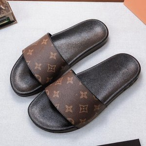 Mulher / homem deslizadores das sandálias chinelos de alta qualidade das sandálias calçados casuais Trainers Flat Shoes Deslize Eu: 35-45 Com a caixa 09