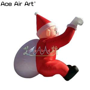 vendita gonfiabile caldo Babbo Natale con il modello di borsa regalo bianco, seduta arrampicata Santa gonfiabile per Natale
