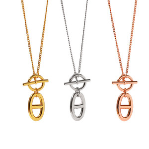 316L de titanio collar de acero colgante de serpiente con botón de esmalte de la forma de H OT en la rosa de oro de 45 cm de longitud joyería el envío libre