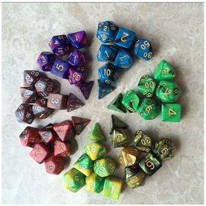 New Dices 7pcs / Set Color Mix Magique Violet Dice Set avec nébuleuse effet Rpg Dice Game Brinquedos Dados Juguetes Donjons et Dragons
