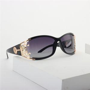 New Cat поляризованных солнцезащитных очков Женщины Красочная Личность 2020 Мода Градиентных солнцезащитные очки Мужской женские очки UV400 с коробкой NX CX200706