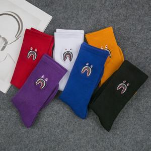 Yeni moda erkekler ve kadınlar gelgit pamuk çorap hip hop çorap Unisex kaykay serin çorap kişilik Rahat Erkekler