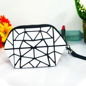 s geometric gripping portable pvc cosmetic bags geometric Diamond diamond gripping bag portable pvc cosmetic bag
