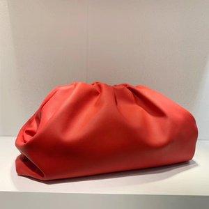 Top Quality Genuine Leather Famoso Desinger Marca A bolsa macia bezerro Ladies Large Clutch Bag Mão Moda feminina Nuvem Bag