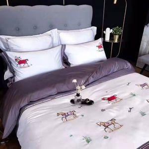 4 Pcs Cotton European Horse Bedding set Embroidery Duvet cover Bed sheet Pillowcases