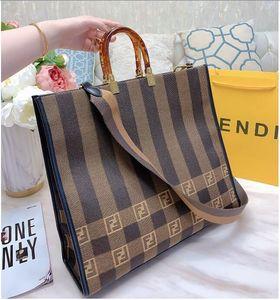 O último saco de compras clássico da lona, mensageiro de couro saco de straddle com forte contorno quadrado, tamanho: 37 * 30 centímetros
