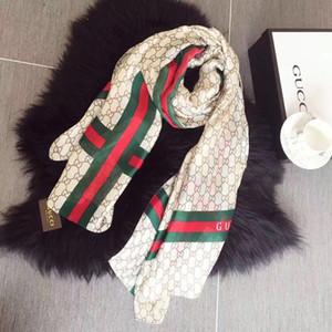 Top-Qualität aus 100% Seide Schal für Frauen neue Art und Weise Luxus weiß schwarz braun Design weichen Strand Seidenschals Mädchen schön ohne Kasten