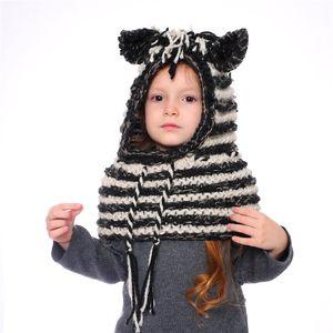 AMUSE 2 in 1 eşarp kap Çocuklar Bebek Llama zebra Sıcak Örme Şapka Çocuk karikatür isıtıcı Kış tığ çizgili kasketleri LJJA2815
