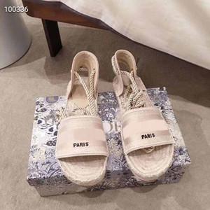 Eine sehr komfortable Dame flach gewebte Sandalen Mode Luxusschuhe hohe Qualität Sommer wilder Strand rutschfesten Retro-Schuhe