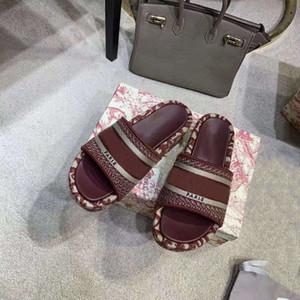 New Mulheres Dway mula Sandals bordado Cotton Wedge Mule sola de borracha Ladies Verão causais outdoor praia lâminas antiderrapantes com caixa