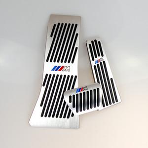 M 로고 AT 알루미늄 합금 가스 브레이크 페달 LHD AT BMW X5의 X6 시리즈 E70 E71 E72의 F15에 대한 드릴 가스 브레이크 발판 페달 플레이트 패드 없다