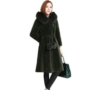 2020 New Sheep Shearing Fur Coat Women Lamb Fur Jacket Fur Female With Real Collar Hooded Winter Outwear Long OUTWEAR WYQ786