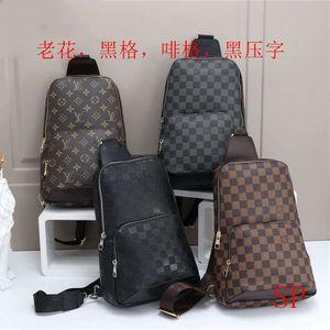 Bolsa para hombre del diseño de la cintura del bolso de Crossbody de lujo Fanny Brand Paquete exterior Bolsa de hombro Moda Maletín B102681K
