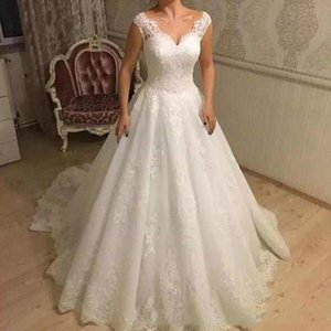 Vintage Off Shoulder Lace Wedding Dresses 2020 with Appliques V Neck Lace Up Back Sweep Train Wedding Bridal Gowns