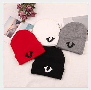 chapeau casquettes brodées de lettre personnalisée Qinglun automne épaisse chapeau d'hiver couleur solide froid chapeau WY1232