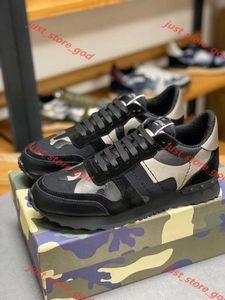 Valentino 2019 Stud Rockrunner Камуфляж Тренеры Дизайнерская обувь Mesh натуральной кожи Combo Rock Runner кроссовки для мужчин Женщины Rubber Sole xshfbcl