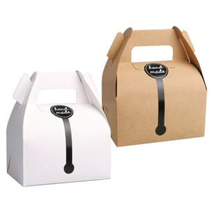Kraft Paper Cake Box Con 11.5 * 8 * 9cm Manija Cajas de embalaje para el favor del banquete de boda Bueno para regalo hecho a mano, comida, jabón, muffin, galleta