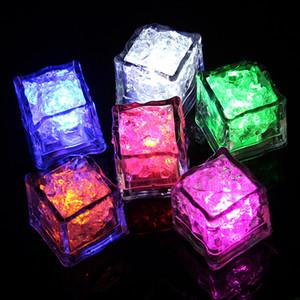 LED Ice Cubes Lumières Party Night light lent clignotement de la LED Lampe en cristal Cube Party Saint Valentin de lumière mariage de vacances