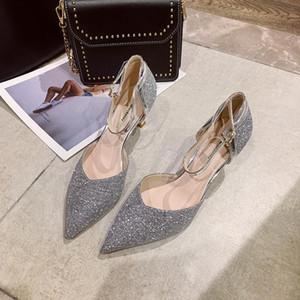 La venta caliente para mujer de 2020-verano señalaron los zapatos huecos de oro rosa de cuero Zapatos de mujer de tacón de aguja corta hebilla de moda