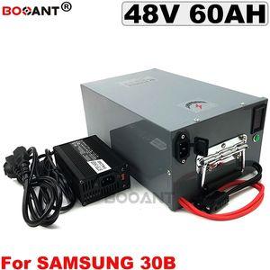 Per Samsung ICR18650-30B 48V 60AH Batteria per bicicletta elettrica 3000W E-bike Batteria agli ioni di litio 13S 48V + 5A Caricatore con una scatola di metallo