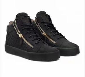 Hot Sael-2019 Novità per gli amanti del design da uomo Sneakers amanti in vera pelle con borchie alte punte casual appartamenti fondo rosso scarpe di lusso