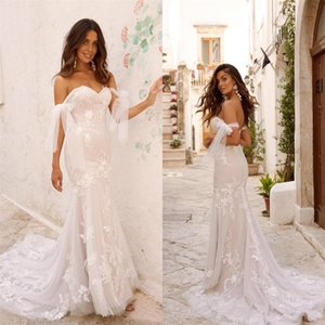 Plus Size Boho Mermaid Wedding Dresses Off-shoulder Sexy Backless Appliqued Lace Ruched Wedding Gown Sweep Train Bridal Gown Cheap