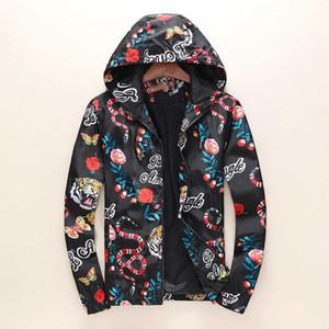 Дизайнер Куртка с капюшоном для Mens Роскошная осень куртки мужские Printed Плюс Размер Марка Hoodie куртки Размер M-3XL Мужская одежда