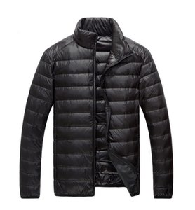 Diseñador de los hombres con capucha ultra ligero abajo de la chaqueta caliente de la chaqueta los hombres línea del paquete portable del paquete Plus tamaño de la chaqueta 5XL