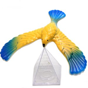 Toy Kid Cute Plastic Soft Balancing Eagle Desk Toys Child Baby Family Amazing Pyramid Stand Magic Bird Toy Fun top Gift