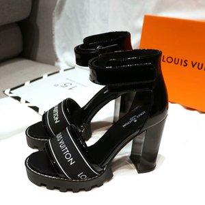 2020 повелительницы способа ботинок WOMENS DesignerLuxury сандалии brandsandals ползунки пляж сандалии женщина венчания высокие толстые каблуки Размер 35-40 20022204T