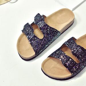 Sıcak Satış-Yaz kadın lüks plaj mantar Terlik Terlikler Flats Ayakkabı üzerinde Casual Sandalet ışıldamaya Slaytlar Çift Toka takunya Kadınlar Kayma
