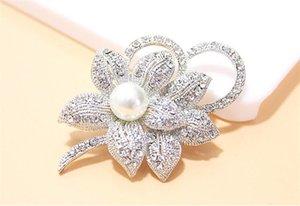Vintage Look Weißgold klar Strass Crystal Diamante Creme Pearl Center Blume und Bogen Hochzeit Bouquet Brosche