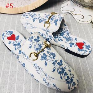 2019 Princetown Zapatillas de cuero Mujer Zapatillas de cuero genuino Pisos Mulas Mocasines Hebilla Impresión en color Damas Zapatos casuales de verano