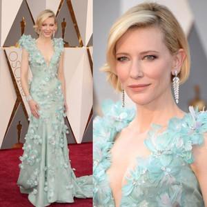 2019 Sexy Oscars de lujo Cate Blanchett Celebrity Vestidos de alfombra roja Cuello en V profundo Barrer Tren Plumas Flores Vestidos de noche largos