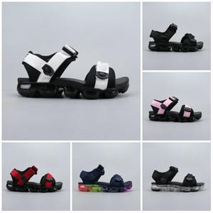 Novo Designer TN Plus Slipper Verão Praia flip flop Preto Branco Casual Sandálias Shoes Interior Não-slip Mens Esportes Loafer Para Mulheres Andando 04