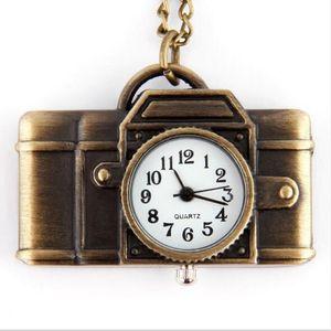 2019 Vendita calda partita 10pcs * Retro collana da tavolo da tavolo collana orologio da tasca pendente collana in lega di tabella