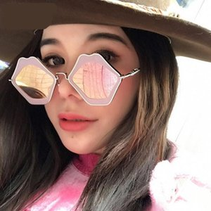Oversize Square Fashion Sunglasses Women Retro Alloy Frame Mirror Sun Glasses Unique Design Red Mouth Lips Vintage Shades Travel Eyewear WI3