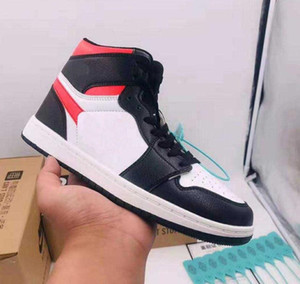 2020 Marque Skateboard Chaussures pour hommes, femmes haut-top Casual Sport Runner Classic Chaussures 1s Chaussures de basket-ball force Sneakers 36-44