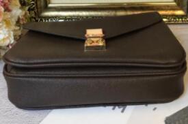2019 Classic Nuevo diseño de los bolsos de hombro de lujo de las mujeres bolsas de mensajero de calidad superior del cartero del paquete bolsos B112