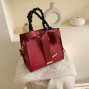 The latest travel diagonal small bag female 2020 new fashion wild simple travel party office bow decoration shoulder bag handbag tide