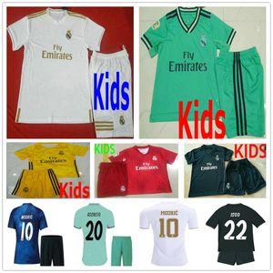 Kinder Real Madrid Fußball Trikots Kit MODRISCHE GEFAHR JOVIC ISCO ASENSIO KROOS VARANE Benutzerdefinierte Jugend Kind Jungen Mann Frau 2019 2020 Fußball Trikot
