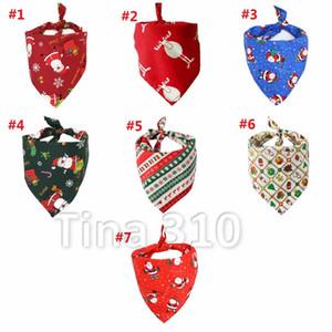 Nouveau 7 styles de Noël Pet salive écharpe Pur Coton Pet triangle écharpe Santa Claus chien écharpe Bib de Noël Pet décoration t3i5509