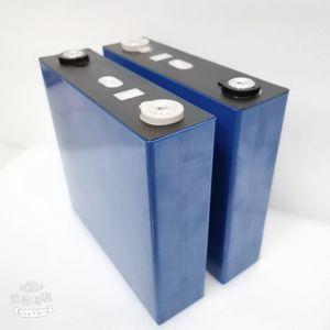 cellulaire Livraison gratuite de 3.2V 150Ah lifepo4 cellule de batterie au lithium phosphate de fer 3.2v pack batterie LiFePO4 pour le système solaire de golf RV