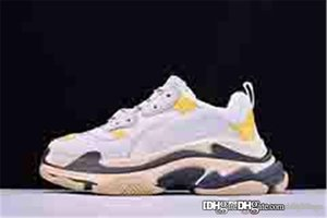 NO.1Balenciag 1 a Triple S Sneaker Grey White Trainers Retro version Yellow Green RUNNER GREY BLACK RED 483523W06E37073 With Box